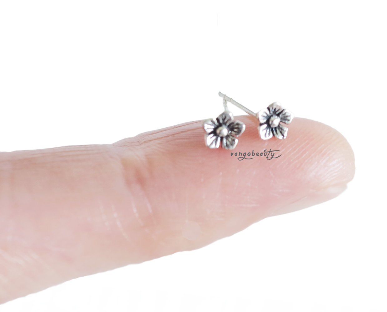Home>body Jewelry>tragus  Cartilage>gorgeous Sterling Silver Cherry  Blossom Flower Cartilage Stud Earring20gauge